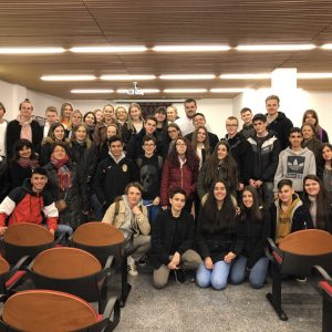 El Ayuntamiento de Bargas recibe a un grupo de alumnos y profesores procedentes de Bastad (Suecia) con motivo de un intercambio cultural con el IES Julio Verne.