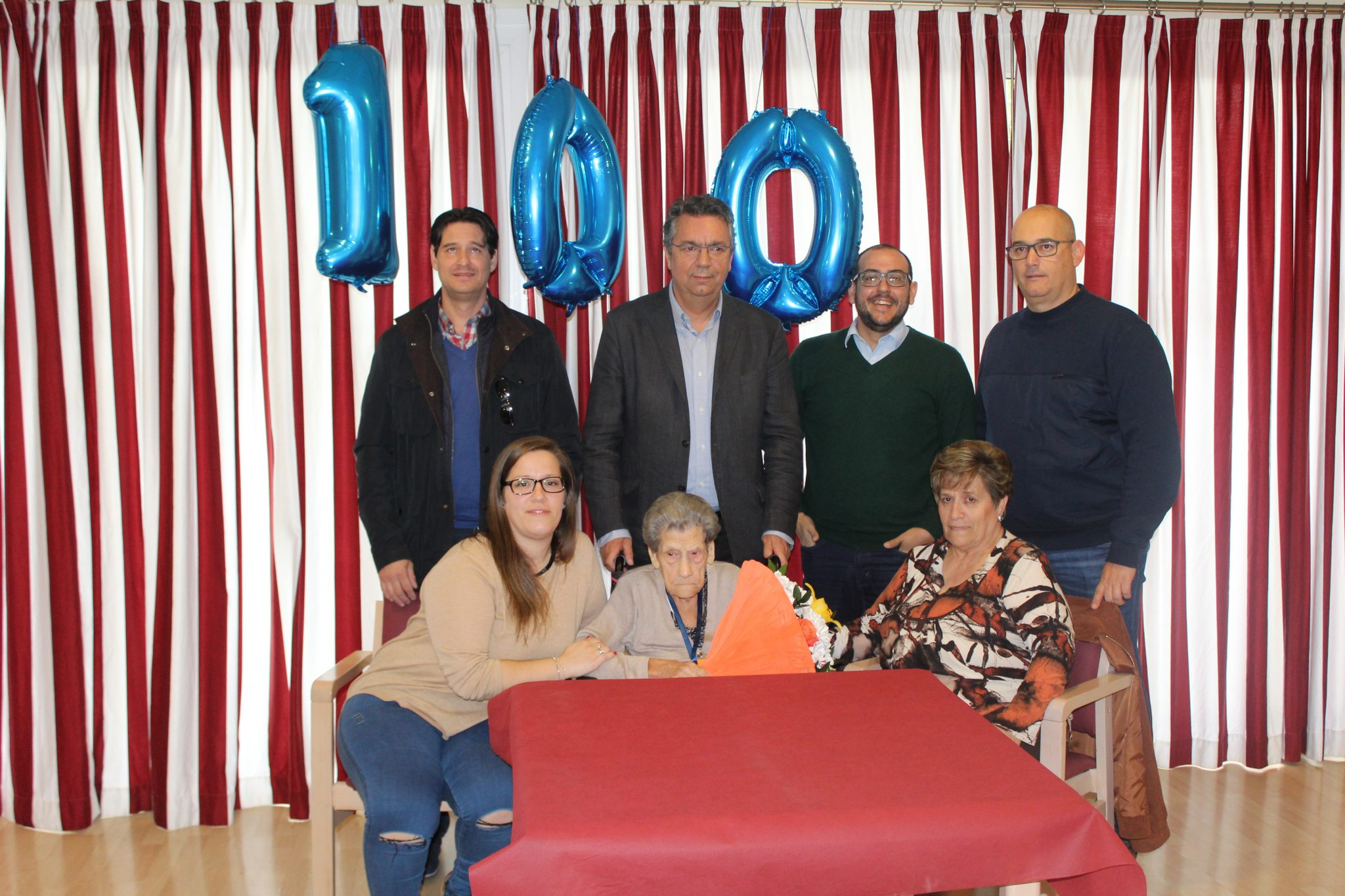 Homenaje centenario en la Residencia de la Tercera Edad de Bargas, Domusvi Valdeolivas