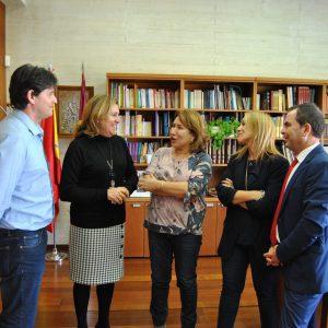La Alcaldesa de Bargas se reunió con la Consejera de Educación, Cultura y Deportes de la JCCM para tratar diversos temas relacionados con los centros educativos de la localidad