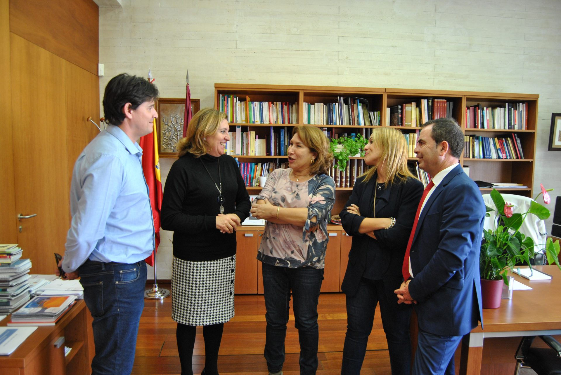 Reunión consejera Educación-alcaldesa Bargas 1