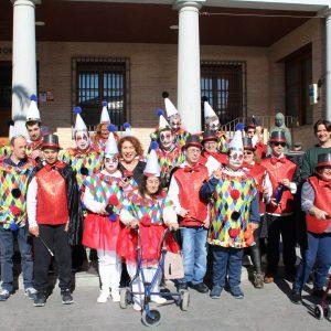 Grandes y pequeños dan la bienvenida al Carnaval en Bargas