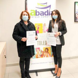 El Ayuntamiento de Bargas renueva su convenio en materia de Empleo con el Parque Comercial «Abadía»