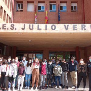 La Policía Local de Bargas forma a los alumnos de 1º de E.S.O. del I.E.S. «Julio Verne» en prevención sobre acoso escolar y los riesgos de las redes sociales